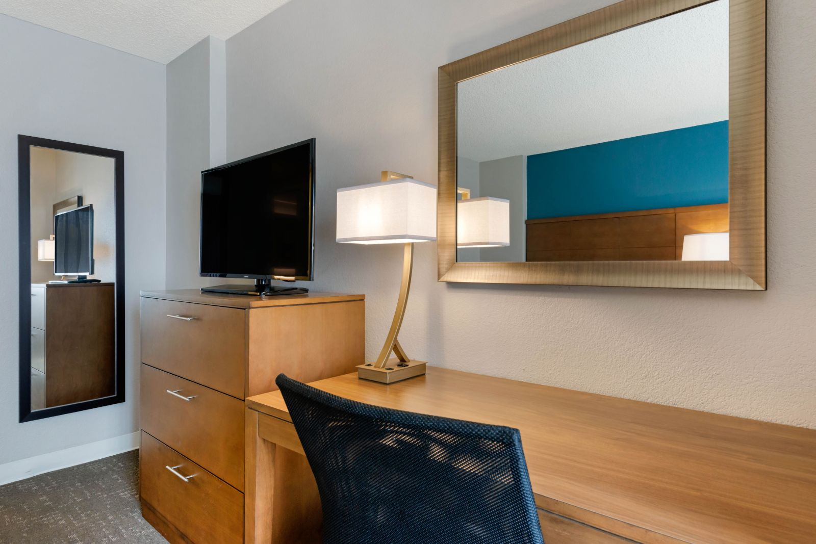Desk in one of our newly renovated hotel Suites in Orlando