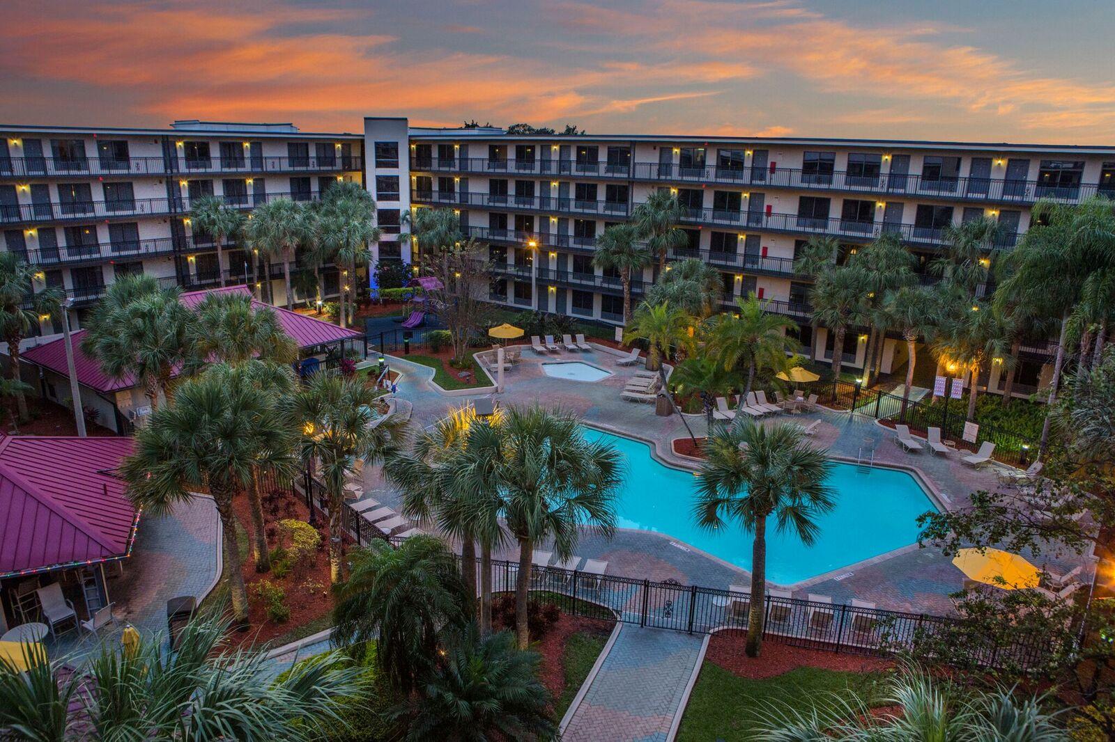 Staybridge Suites Royale Parc Orlando Tropical Pool Area 3